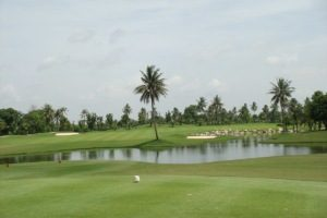 Family Thais in Golf Development